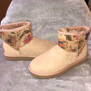 UGG Classic Mini II Floral Boot.    NWT